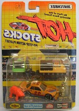 MATCHBOX Hot Stocks, Race Car with Accessories Orange Racer,