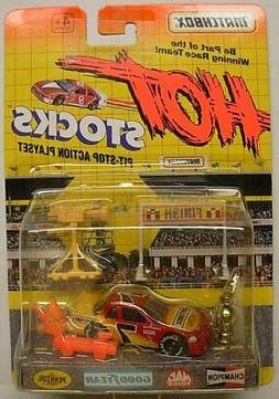 MATCHBOX Hot Stocks, Race Car with Accessories, Red & Yellow