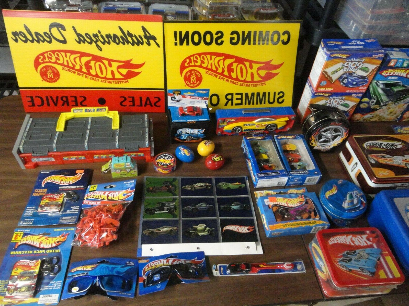 accessories lot of over 300 items read
