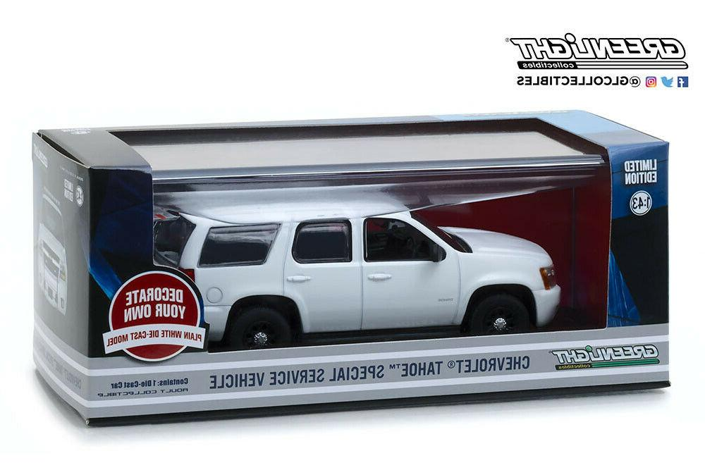 Scale CHEVROLET with accessories 2010 Whit